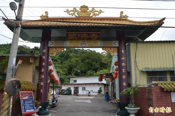 萬佛寺是台中市知名的佛寺,卻因募款重建而沾惹塵埃。(記者張瑞楨攝)