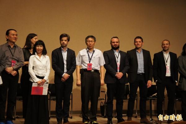 台北市長柯文哲今天下午出席台北巴黎論壇。(記者黃建豪攝)