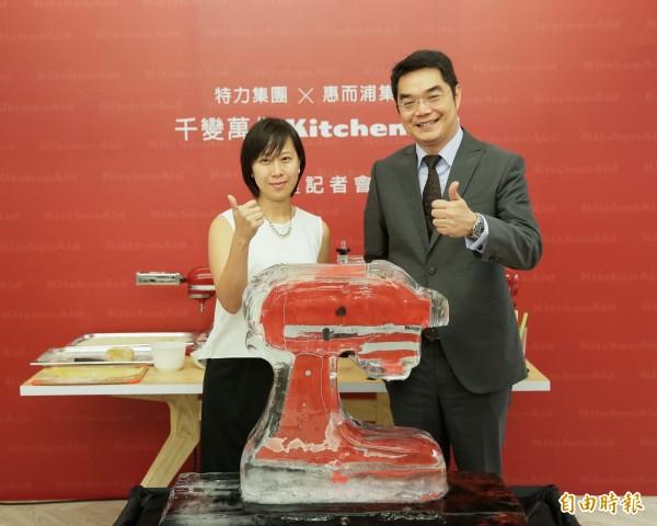 特力集團(2908)今天宣布與全球最大電器製造商惠而浦集團合作,拿下旗下美國精品廚電品牌KitchenAid(凱膳怡)台灣地區零售通路獨家代理權。(記者楊雅民攝)