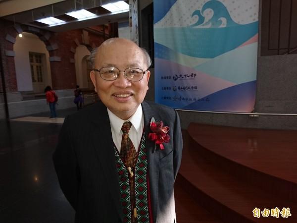 今年台灣文學獎小説金典獎得主陳耀昌,從醫學界跨文學界。(記者洪瑞琴攝)