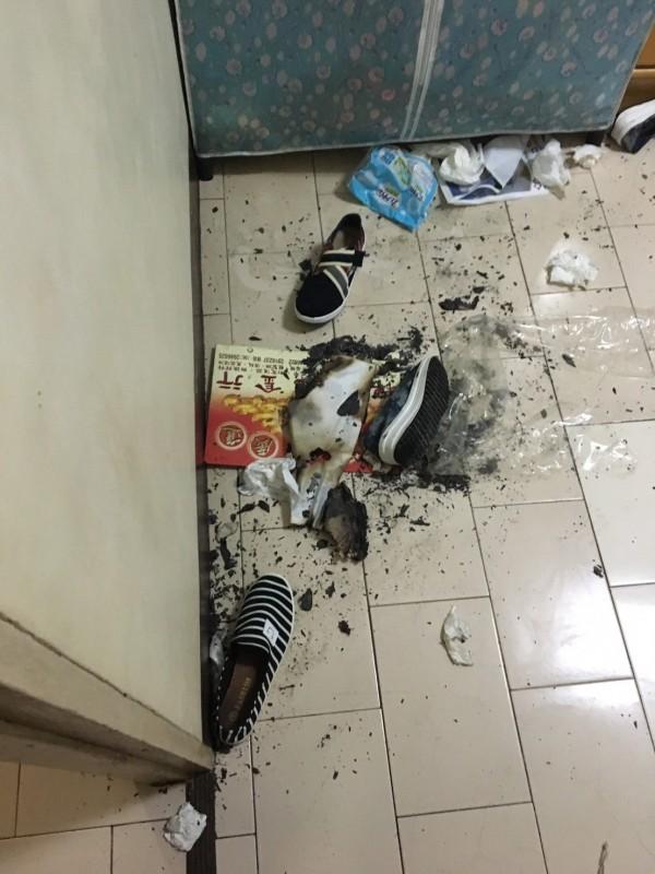 馬公5女室內燒炭自殺,卻穿著外出鞋與常理不合。(記者劉禹慶翻攝)