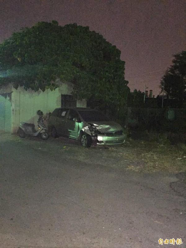 周男今晚被發現陳屍在自己的休旅車內,疑似燒炭自殺。(記者湯世名攝)
