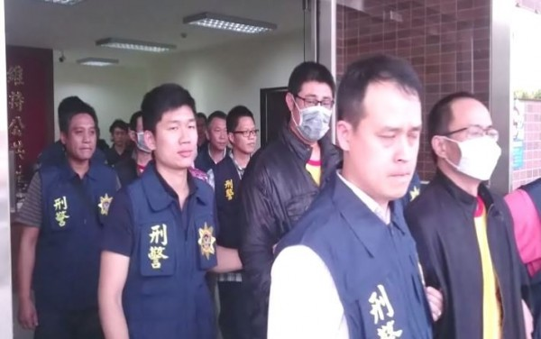 屏東警方破獲以劉男為首的販毒暴力討債集團。(記者李立法翻攝)