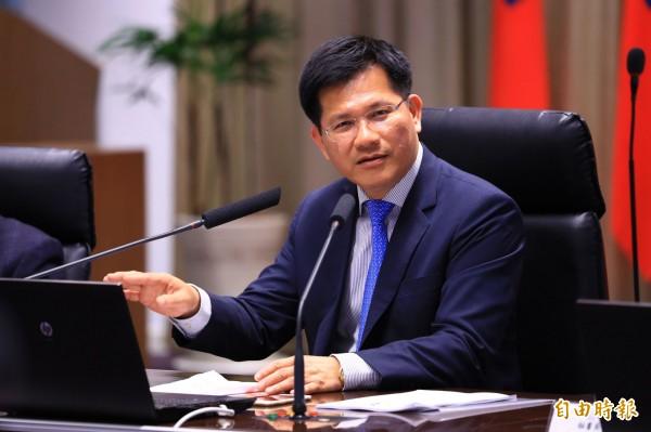 台中市長林佳龍將隨團參加美國總統就職典禮。(記者黃鐘山攝)