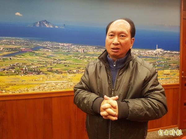 宜蘭代理縣長吳澤成今天宣布,今年五月課徵房屋稅將取消加價。(記者簡惠茹攝)