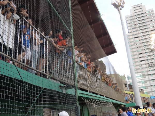 新竹棒球場將全面大整建大翻新,預計今年動工,明年下半年完工。(記者洪美秀攝)