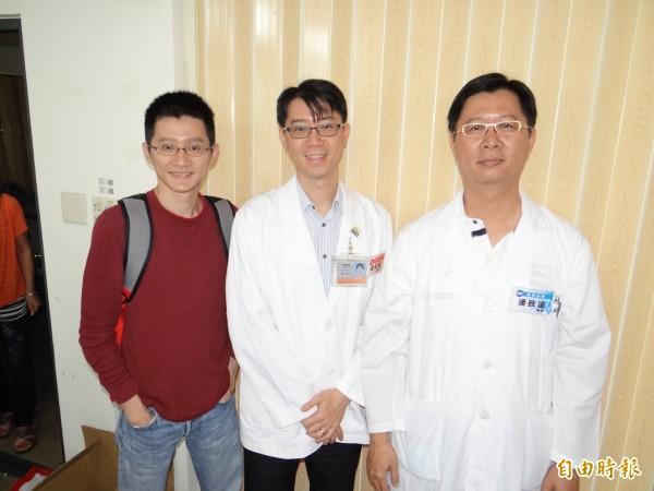 潘家三兄弟西醫師潘致遠(右)、中醫師潘天健(中)與哈佛公衛博士潘文驥(左)參與義診服務。(記者王俊忠攝)