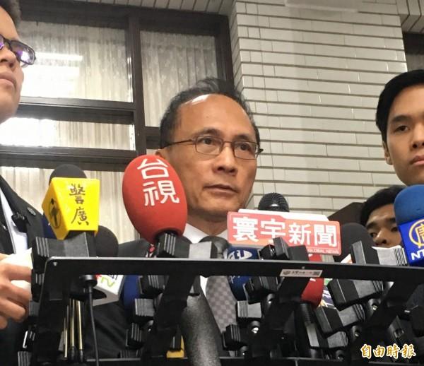 對於客委會主委李永得遭盤查爭議,行政院長林全表示按台北市政府目前作法即可。(記者鄭鴻達攝)