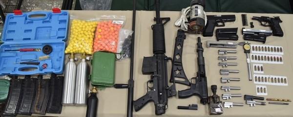 警方查扣的槍械半成品。(記者張瑞楨翻攝)