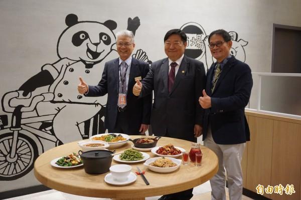 南紡購物中心引進南台灣首家開飯川食堂分店。(記者王俊忠攝)