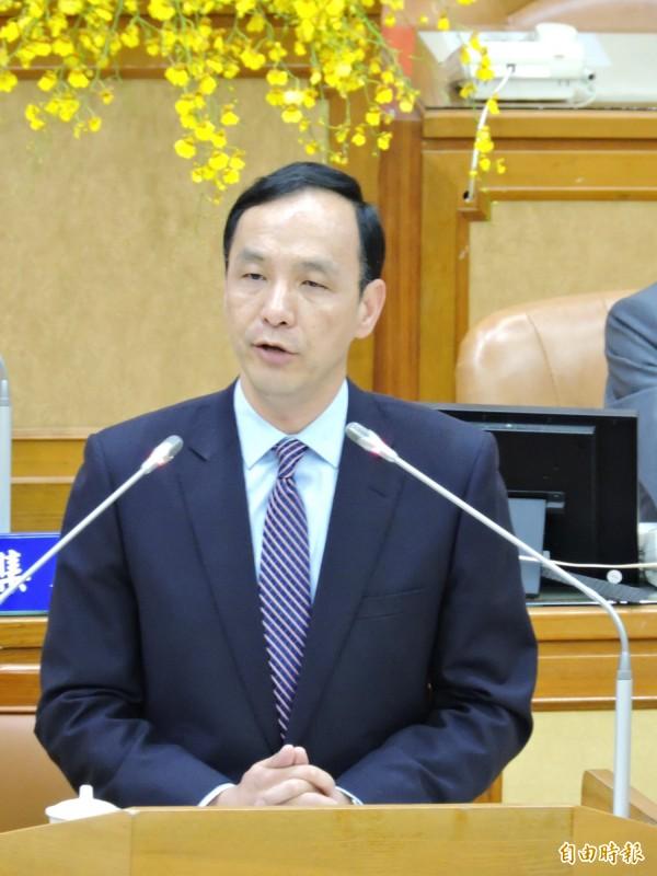 新北市長朱立倫到市議會進行施政報告。(記者何玉華攝)