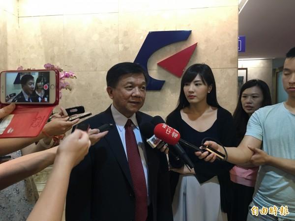 經濟部長李世光今表示,台電的超額盈餘將進入電價平穩基金。(記者黃佩君攝)