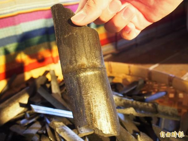 布農文教基金會生產的竹炭頗受消費者歡迎。(記者王秀亭攝)
