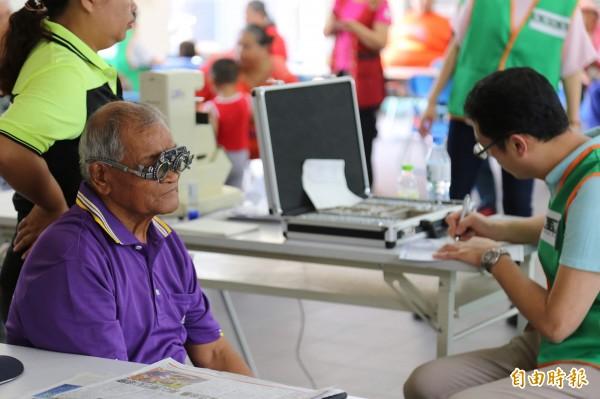 台灣防盲基金會發現,山區的視力不良就醫率僅有39.72%,遠低於全國平均值64.19%。(記者邱芷柔攝)