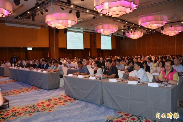 智慧長照為未來趨勢,論壇會議吸引300餘人參加討論。(記者劉禹慶攝)