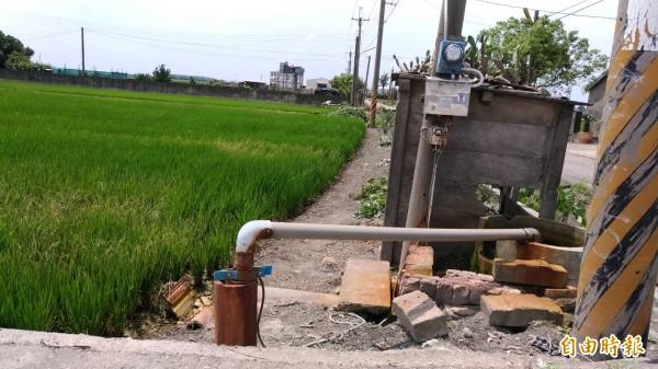 雲林縣政府推動既有水井主動申報納管,如今傳出要收水權費,引發農民反彈。(記者廖淑玲攝)