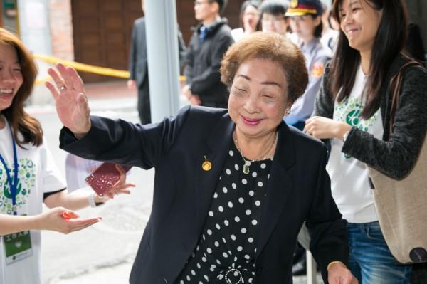 高齡93歲,目前台灣僅存的三位慰安婦之一的陳蓮花,昨晚8點左右因腸道破裂引發感染離世。(婦援會提供)