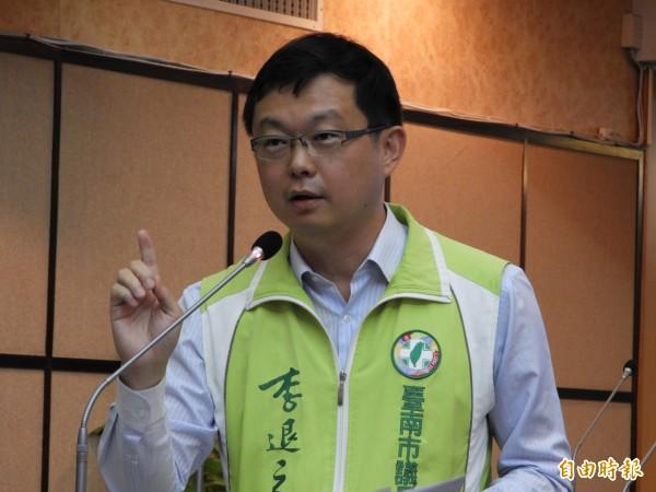 市議員李退之建議市府多為勞工生育營造友善環境。(記者洪瑞琴攝)