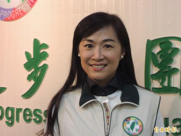 台南市議員林宜瑾建議政府應設立「照顧服務專業證照」。(記者洪瑞琴攝)