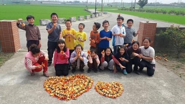 百棉木棉老樹公,是潮洋國小學生們的回憶。(記者陳冠備翻攝)