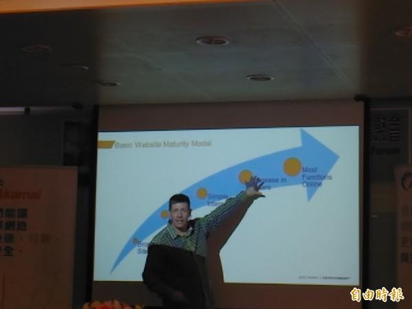Michael Smith分析,台灣是IT設備、裝置的製造地,只要攻破一個設備,其他一併攻破,才會因此這麼嚴重。(記者李靚慧攝)
