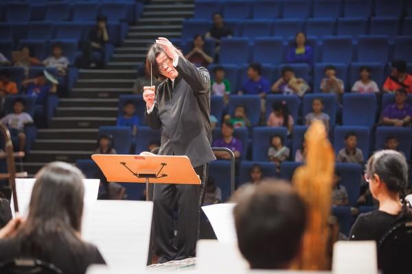 高雄市國樂團網羅台灣各地節慶為主題,植入台灣在地語言、以音樂來記錄在地文化。(記者黃佳琳翻攝)