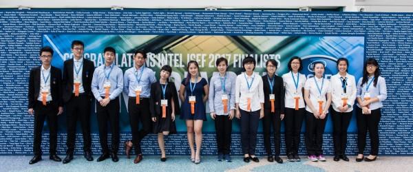 素有科學奧林匹亞之稱的美國英特爾國際科技展覽會傳回捷報,國立台灣科學教育館選拔13名學生、9件作品代表我國參展,結果其中6名學生獲得4項大會獎、1項特別獎,為國爭光。(科教館提供)