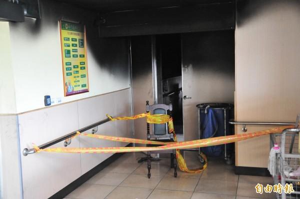 南門護理之家發生火災事故的2樓仍封閉。(記者蔡宗憲攝)