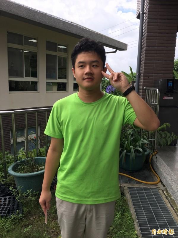 雲林樟湖生態中小學國中部學生賴翔緯獲今年總統教育獎。(記者黃淑莉攝)