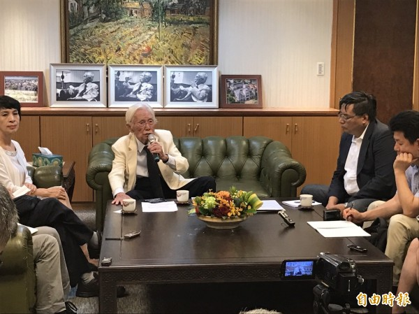 總統府資政辜寬敏今天召開記者會,談巴拿馬斷交後台灣的因應態度。(記者蘇芳禾攝)