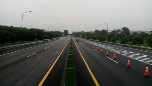 施工1年多的省道台82線路面加高工程,終於完工。(記者林宜樟翻攝)