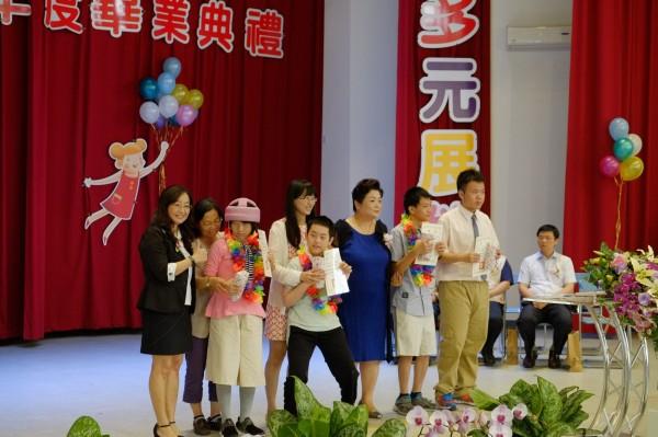 南投特教學校畢業生個個都得獎。(南投特教學校提供)