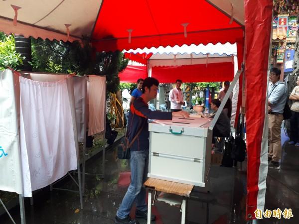 文昌公園參與式預算舉行投票,第5案「興建遊戲運動設施」獲最高票。(記者謝武雄攝)