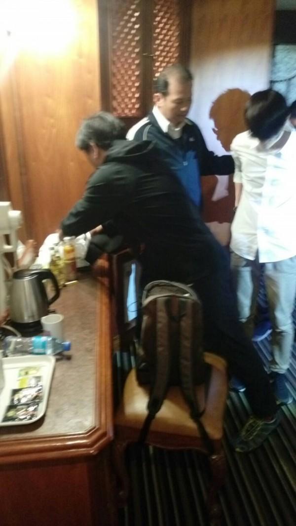 警方逮獲彭男送辦。(記者陳文嬋翻攝)