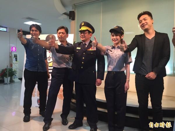 新北市警局開拍防治酒駕宣導短片,找來正妹女模陳樂樂擔綱演出(記者吳岳修攝)