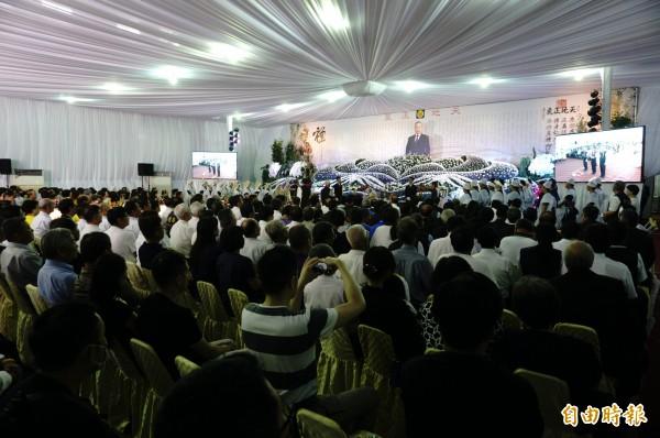 紀竹林公祭有數百人參加。(記者何宗翰攝)
