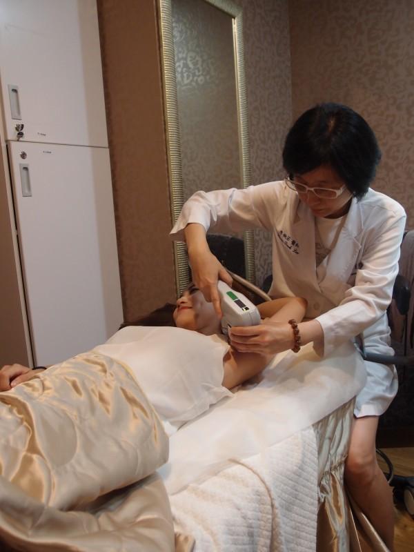 微波熱能治療非侵入性治療。(雙和醫院提供)