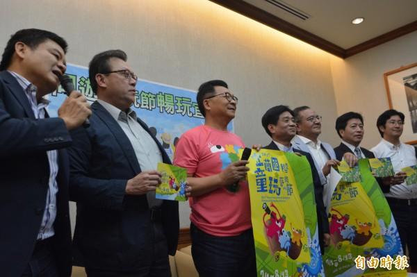 跨黨派立委響應民間團體主張支持成立公視台語台。(記者楊淳卉攝)