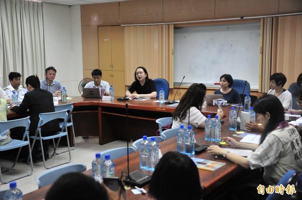 上月三十日由政務委員唐鳳與各部會南下召開協作會議。(記者蔡宗憲攝)