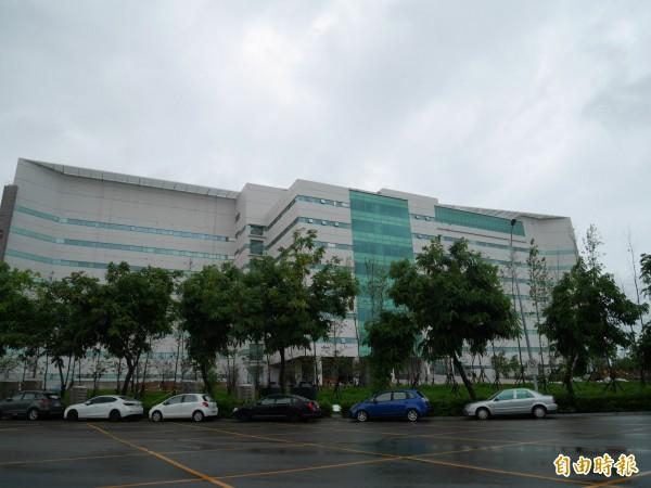 大立光斥資200億元,歷時3年蓋的新廠才於日前完工,預計第四季投產。(記者陳梅英攝)