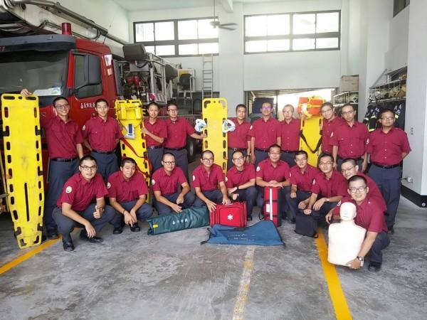 20名消防替代役男中有6名準醫師,在市消防局德安消防分隊受密集訓練,體能跟救護技能都增強。(嘉義市消防局提供)