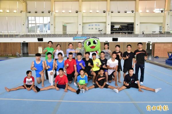 Makuts受中華民國體操協會之邀,到宜蘭與體操選手交流。(記者張議晨攝)
