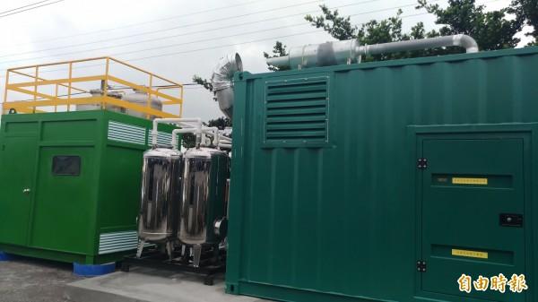 褒忠潮厝污水共同處理場將豬糞尿廢棄物轉化成綠金,年產電超過160萬度,還能賣電。(記者廖淑玲攝)