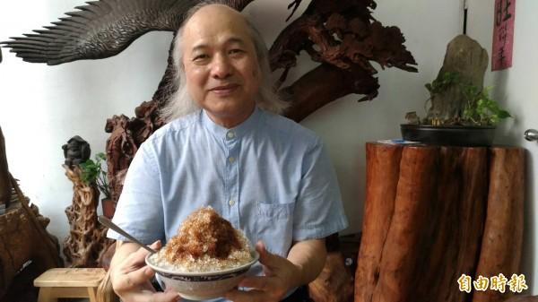 一碗黑糖冰屹立15年,蔡武松對原料的堅持是一大關鍵。(記者鄭淑婷攝)