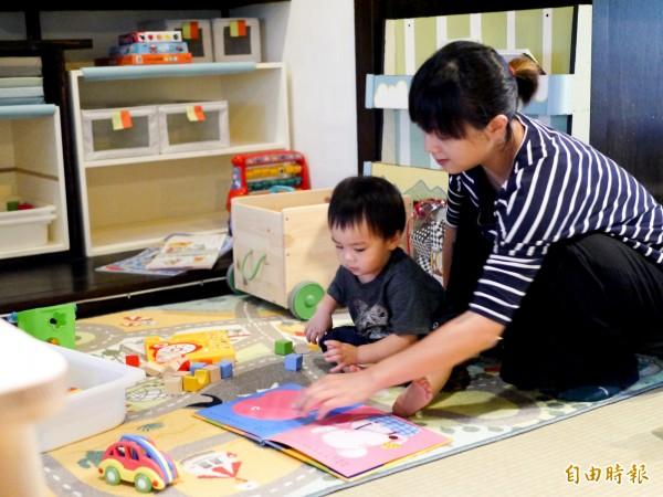 賣捌所二樓規劃成親子友善空間。(記者簡惠茹攝)