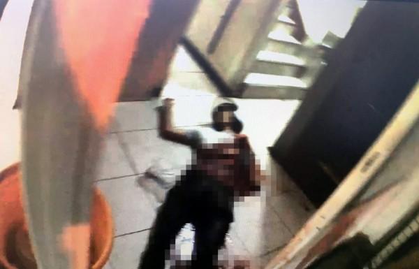 桃園市楊梅區發生一起兇殺案,李姓男子因誤喝他人女友飲料,竟被尖刀劃肚重傷不治。(記者李容萍翻攝)