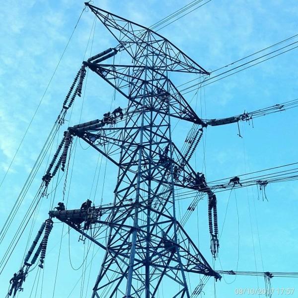 和平電廠電塔目前已安裝完畢(經濟部提供)