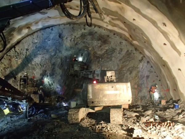 蘇花改仁水隧道開挖剩僅1公里,8月底前可望貫通主隧道。(蘇花改工程處提供)