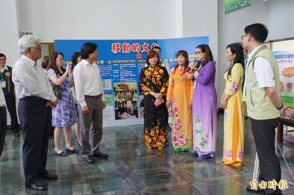 雲林縣警察局邀請新住民擔任翻譯,協助新住民面對司法問題。(記者詹士弘攝)