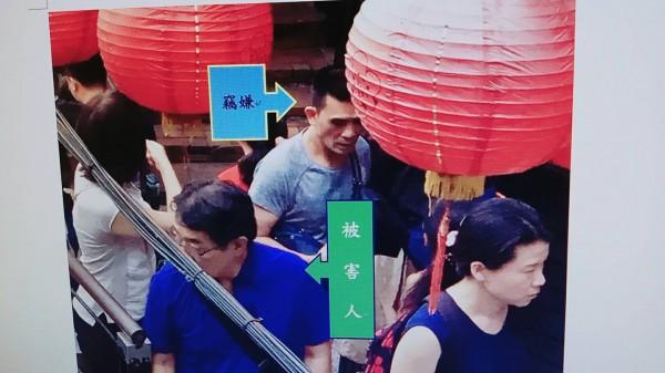 中國籍慣竊劉俊言日前行竊日本觀光客皮夾。(記者劉慶侯翻攝)